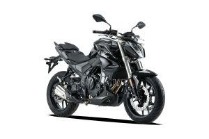 Voge 500R - black - 02.jpg